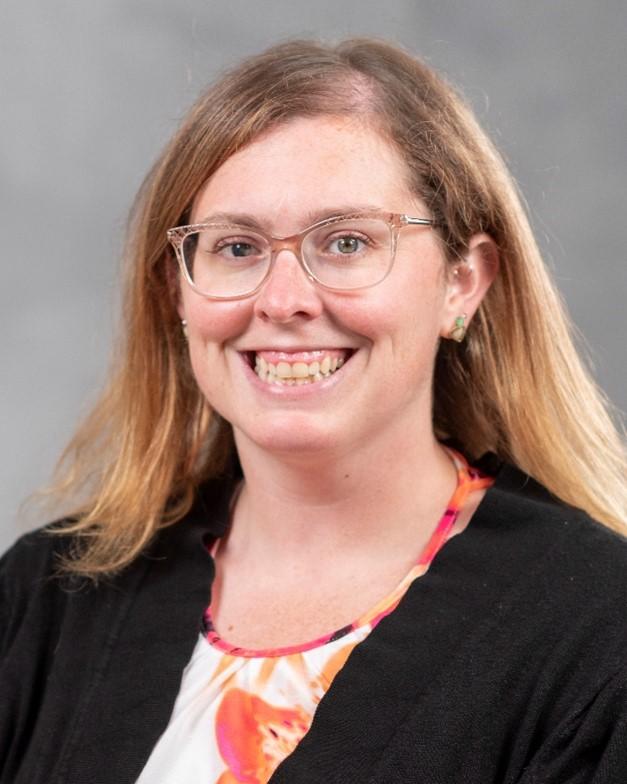 Lauren Saj Headshot